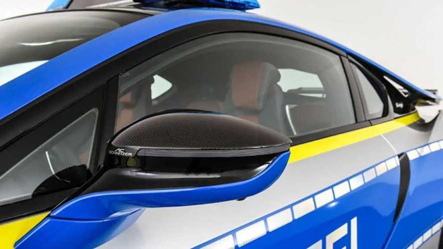 BMW i8 transformée en voiture de police