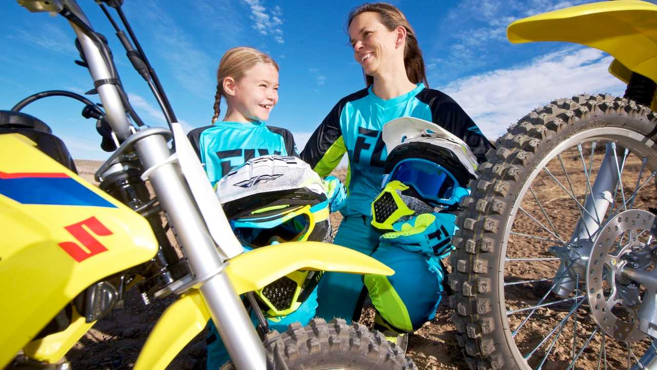 Mother-Daughter-Dirt-Bike-Riding-off-road-motorcycle-women-girls-9