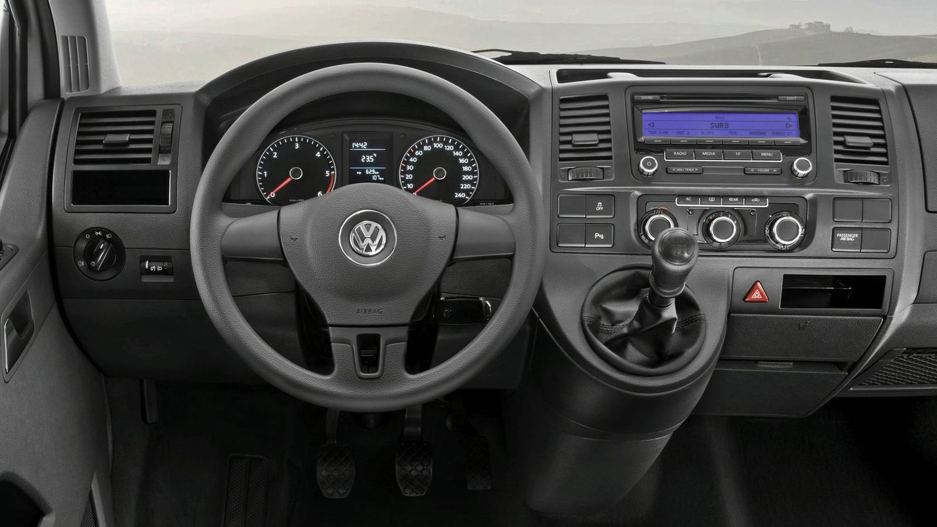 New 2010 Volkswagen T5 Van facelift revealed