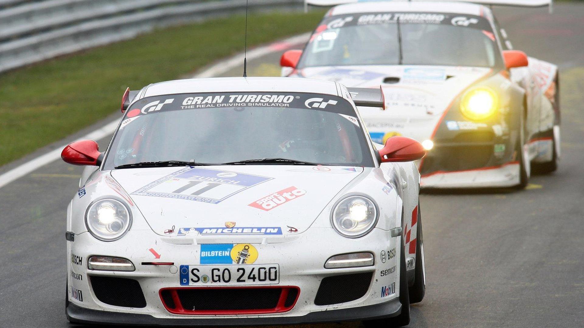 2010-202286-porsche-911-gt3-rs-nurburgring-24h-chris-harris-roland-asch-horst-von-saurma-p1.jpg