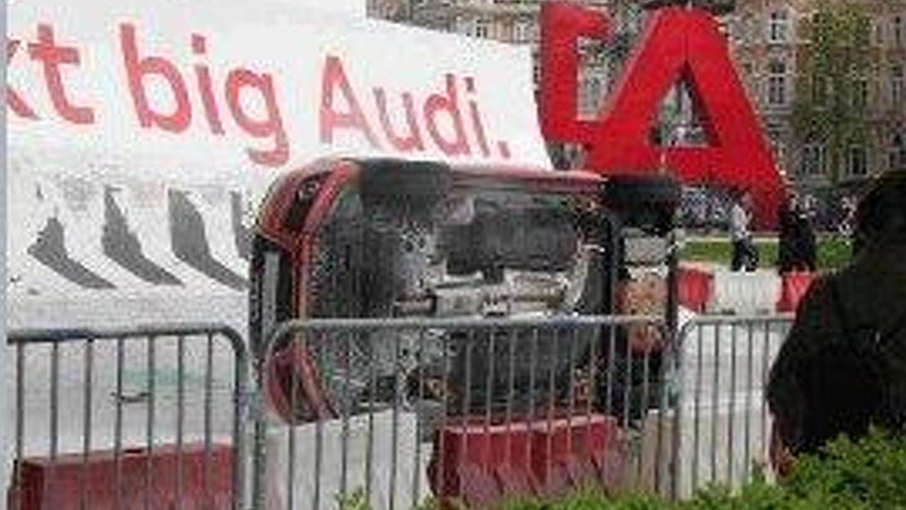 Audi A1 accident during demonstration, Cinquantenaire Park, Brussels, Belgium, 800, 26.05.2010