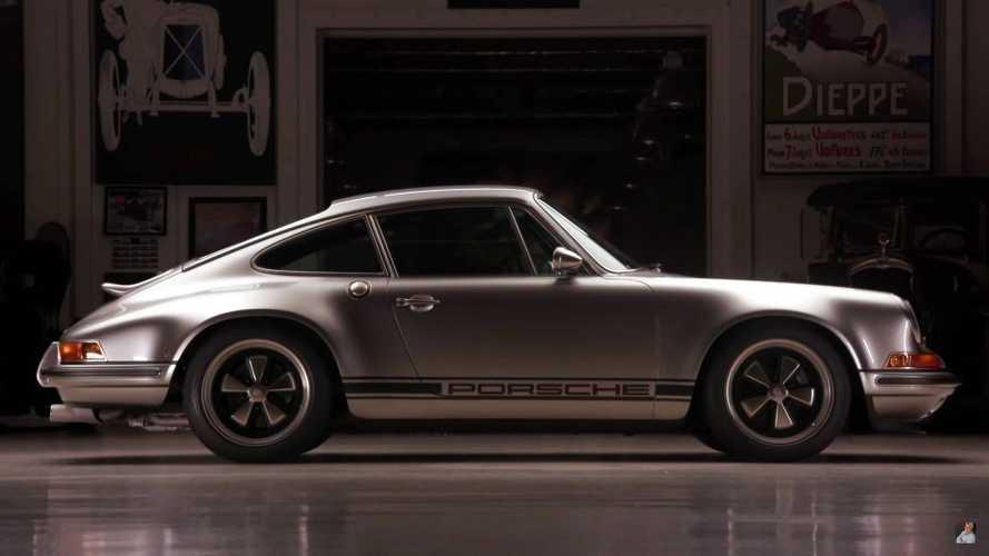El Porsche 911 Singer número 100 se deja ver en Jay Leno's Garage
