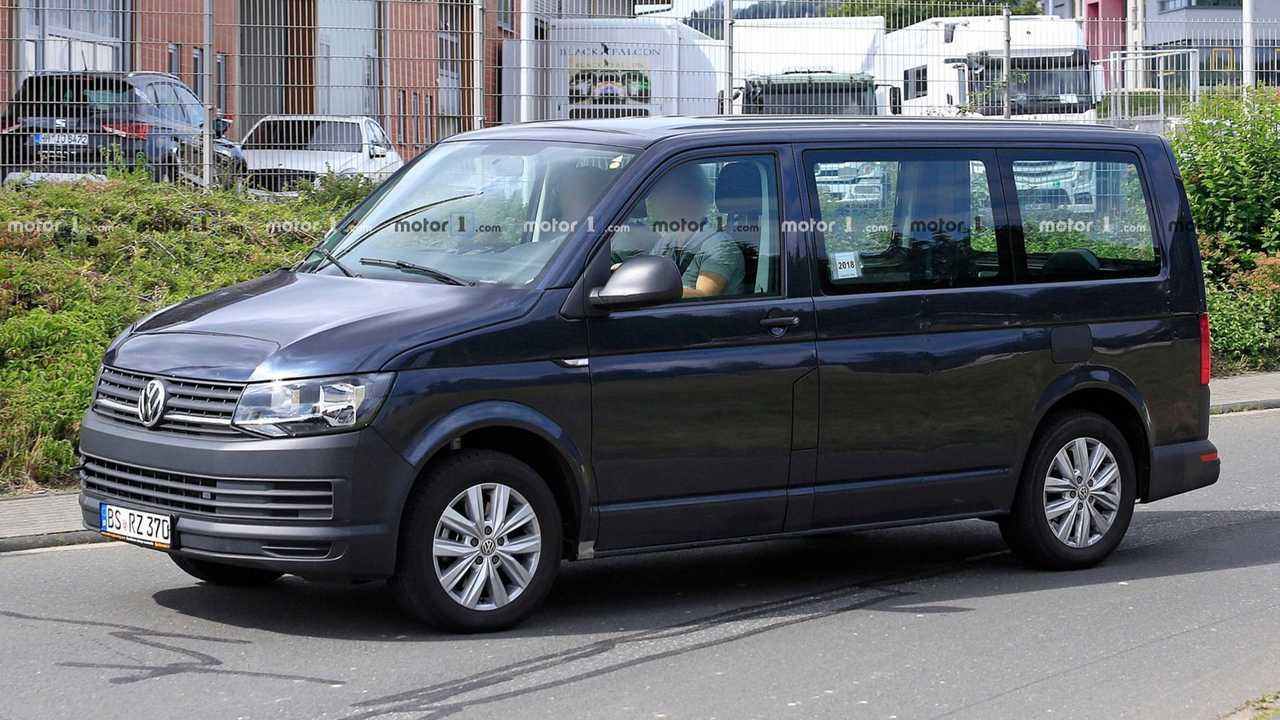 Volkswagen T7 GTE Hybrid spy photo
