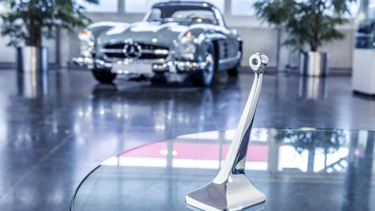 Mercedes-Benz is 3D printing spare parts for its classic cars