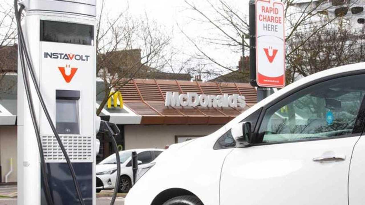 Colonnine ricarica UK tra McDonalds e Supermarket