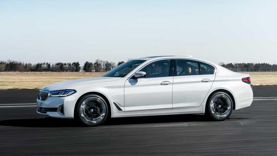 BMW официально обновила пятую серию