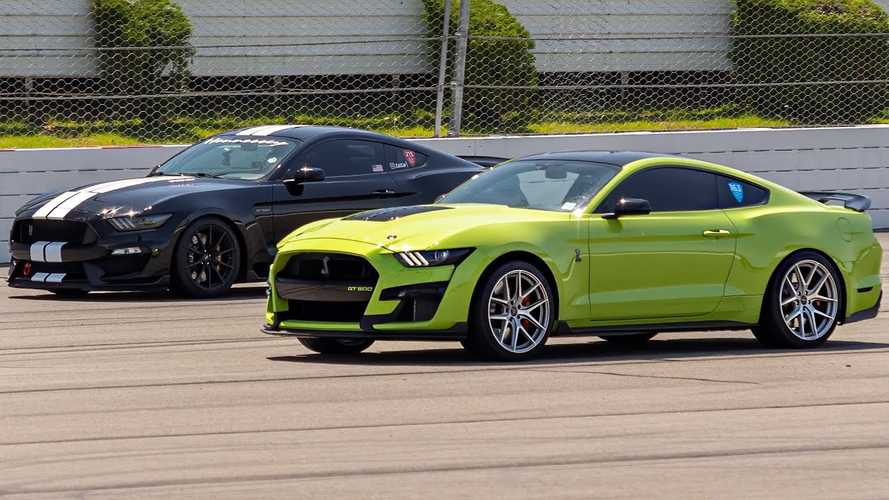 See 900-HP Shelby GT350 Drag Race 800-HP GT500 In Modded Mustang Fight