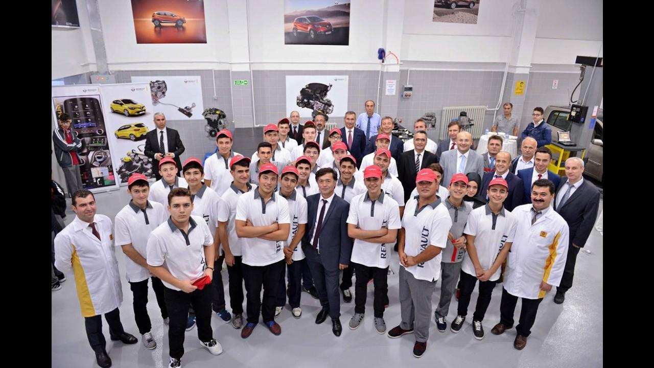 Renault Türkiye'deki Üçüncü Teknik Laboratuarını Açtı