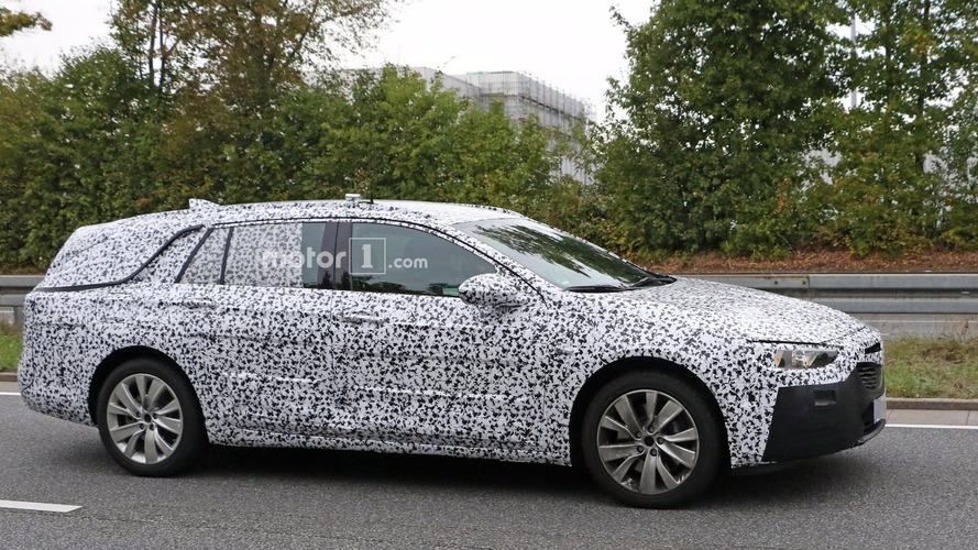 2017 Opel Insignia station wagon genişlemiş boyutlarıyla görüntülendi