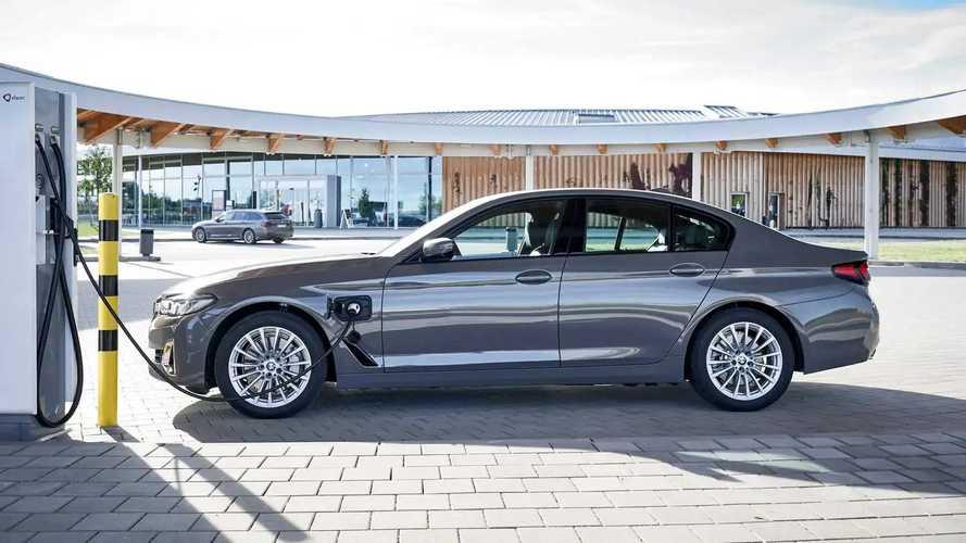 BMW 320e ve 520e PHEV Modelleri