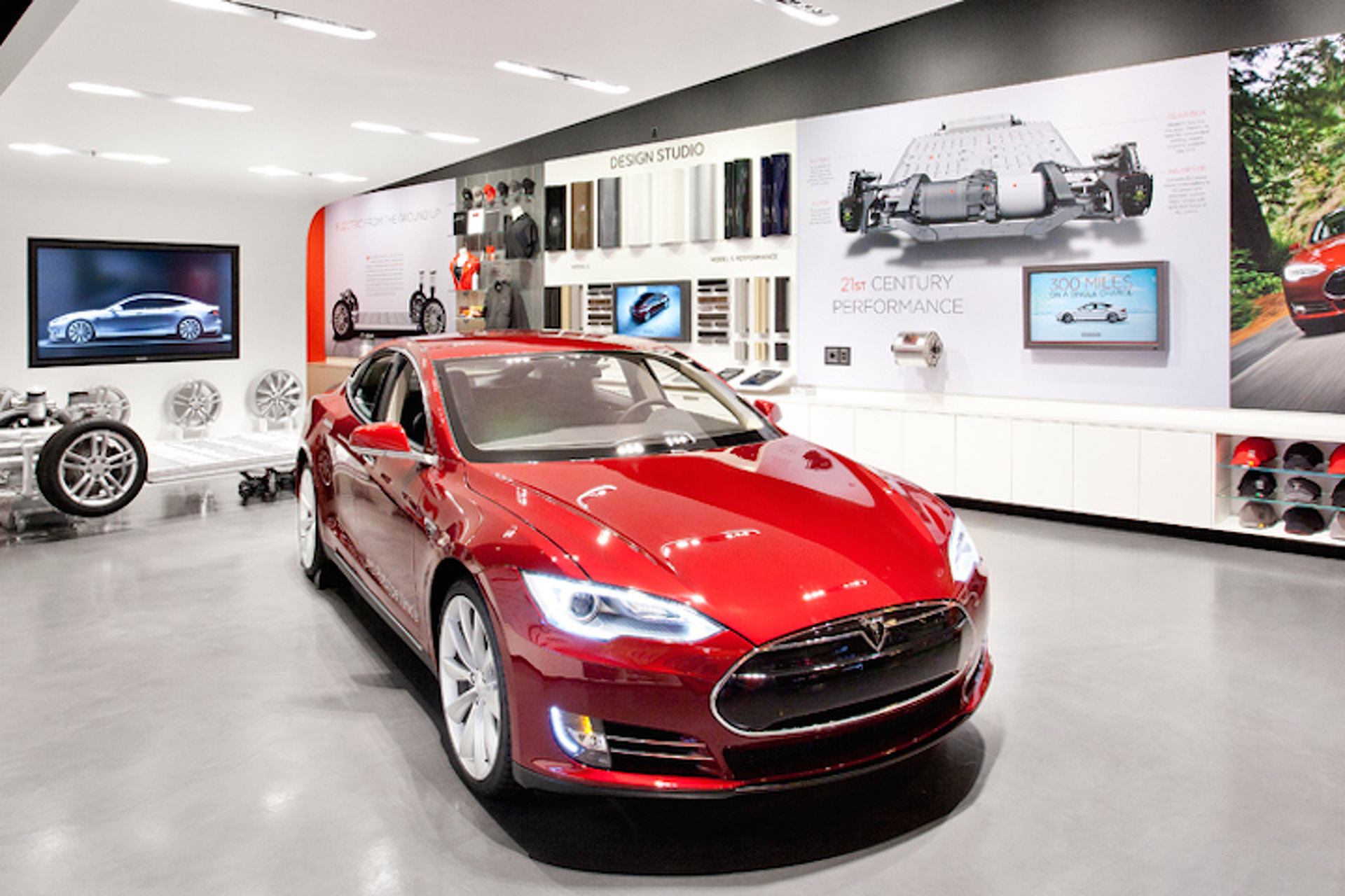 Missouri Looking to Ban Tesla Direct Sales, But Tesla Fights Back