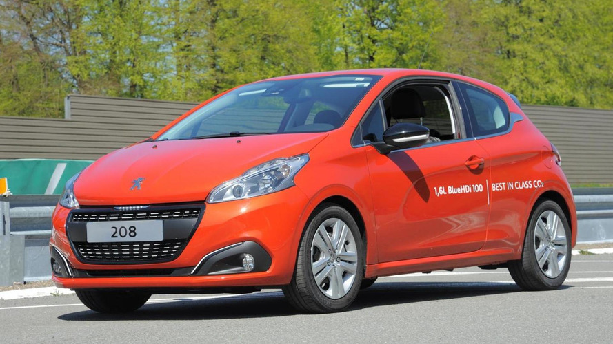 Production Peugeot 208 sets fuel consumption record with 2.0 l/100 km