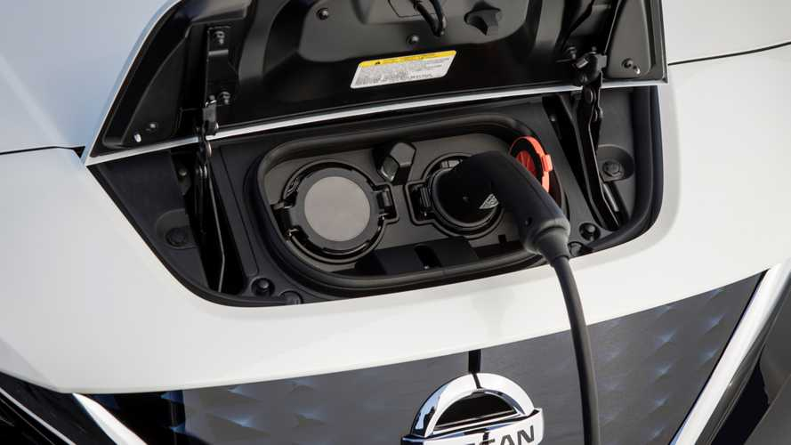 Auto elettriche, quali e quanti sono gli standard della ricarica veloce