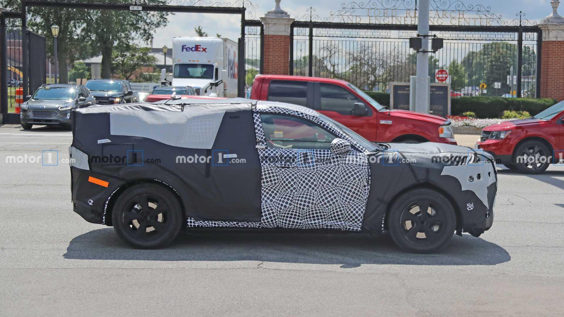 2020 - [Ford] Mustang Mach-E Ford-mach-e-spy-photos