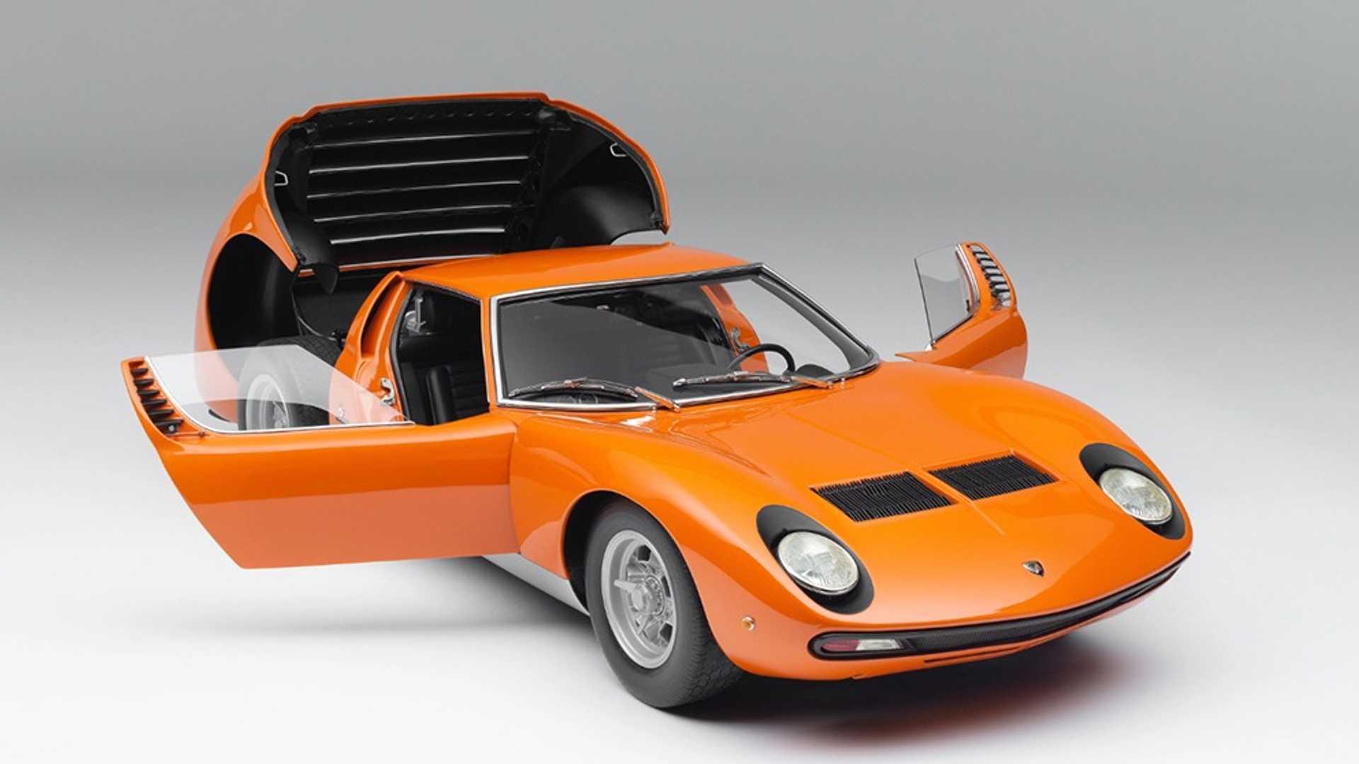 """[""""Lamborghini Miura P400 SV 1:8 Scale Model""""]"""
