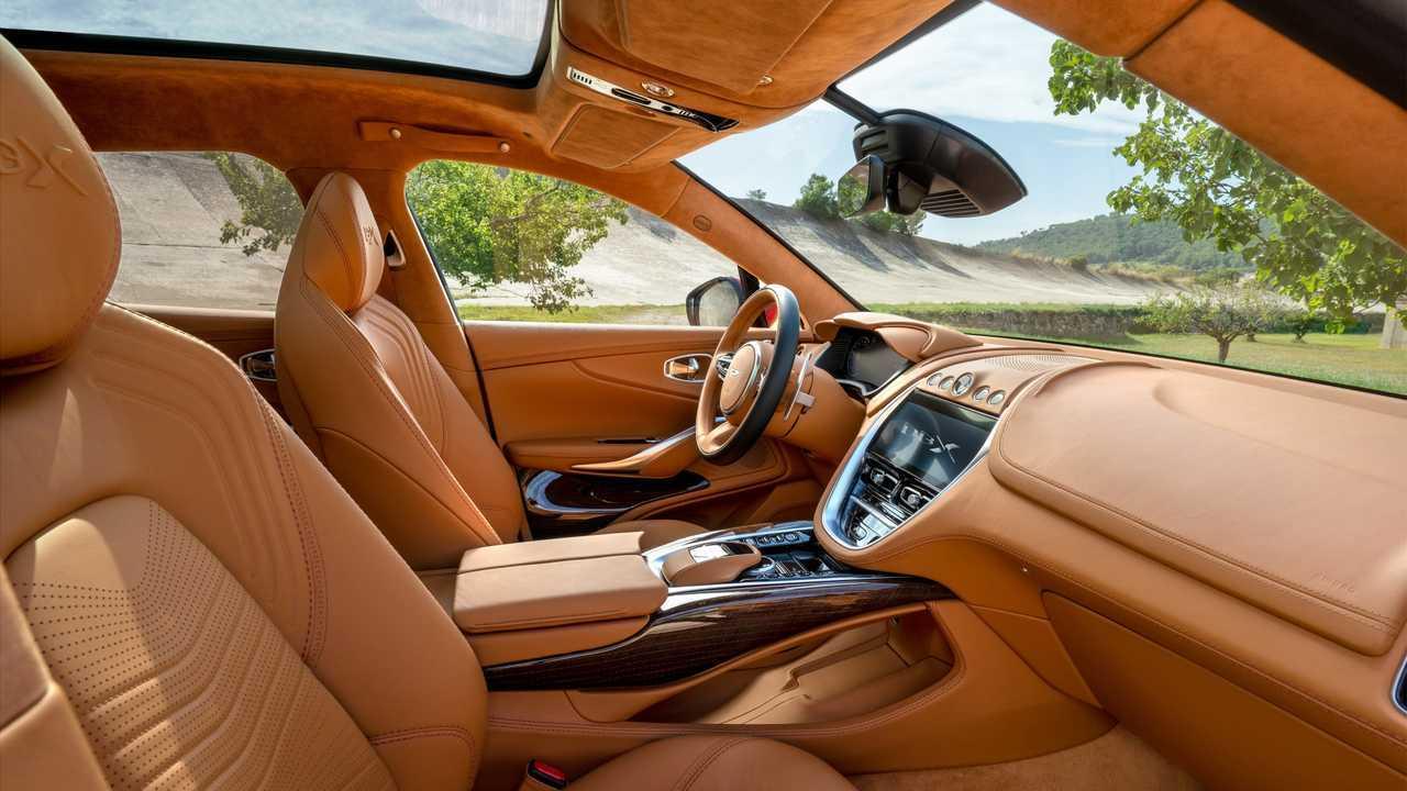 Aston Martin Dbx 2020 Edel Suv Debütiert Mit 550 Ps V8