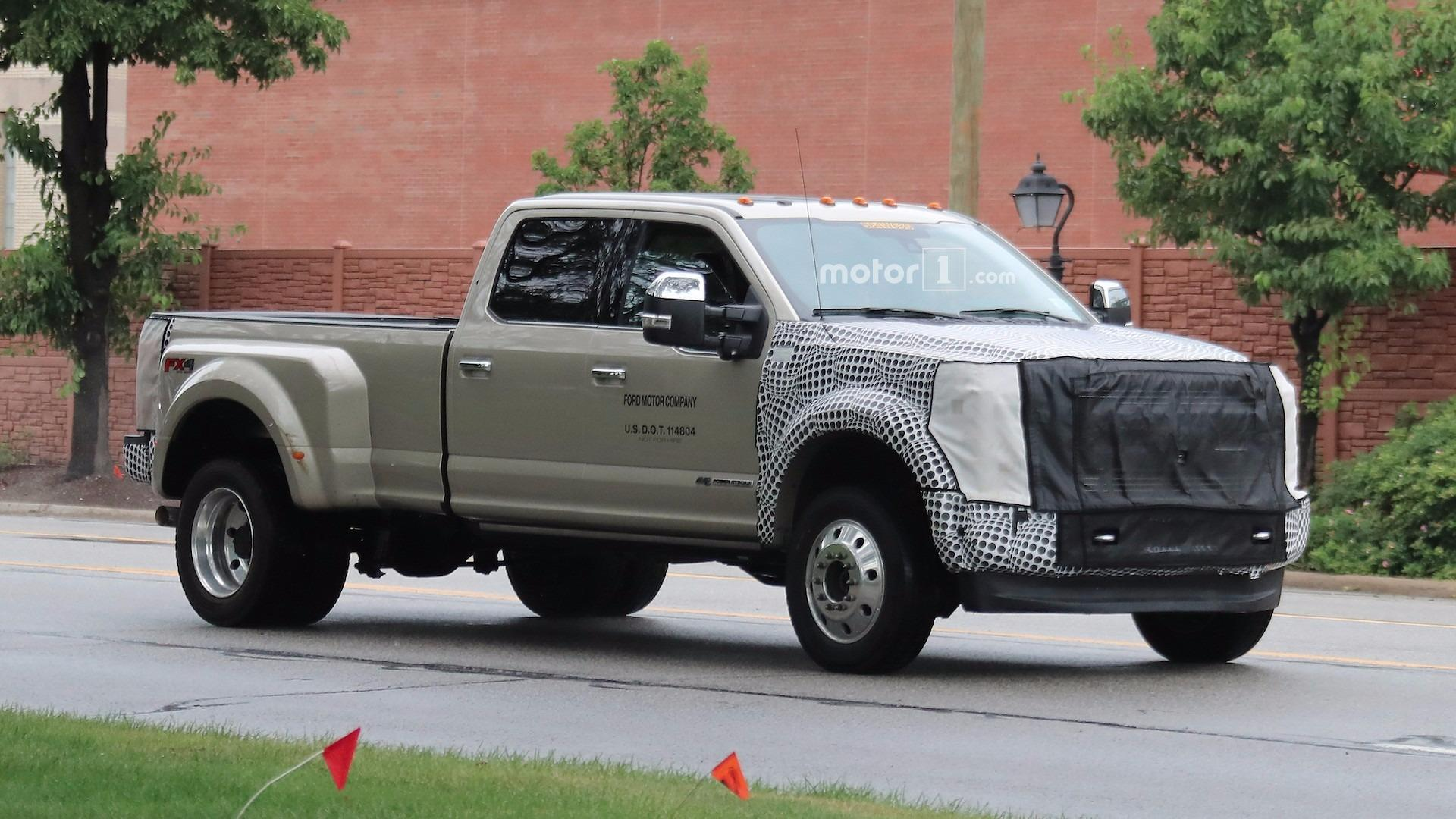 2019 Ford F Series Super Duty Spied With Modest Facelift