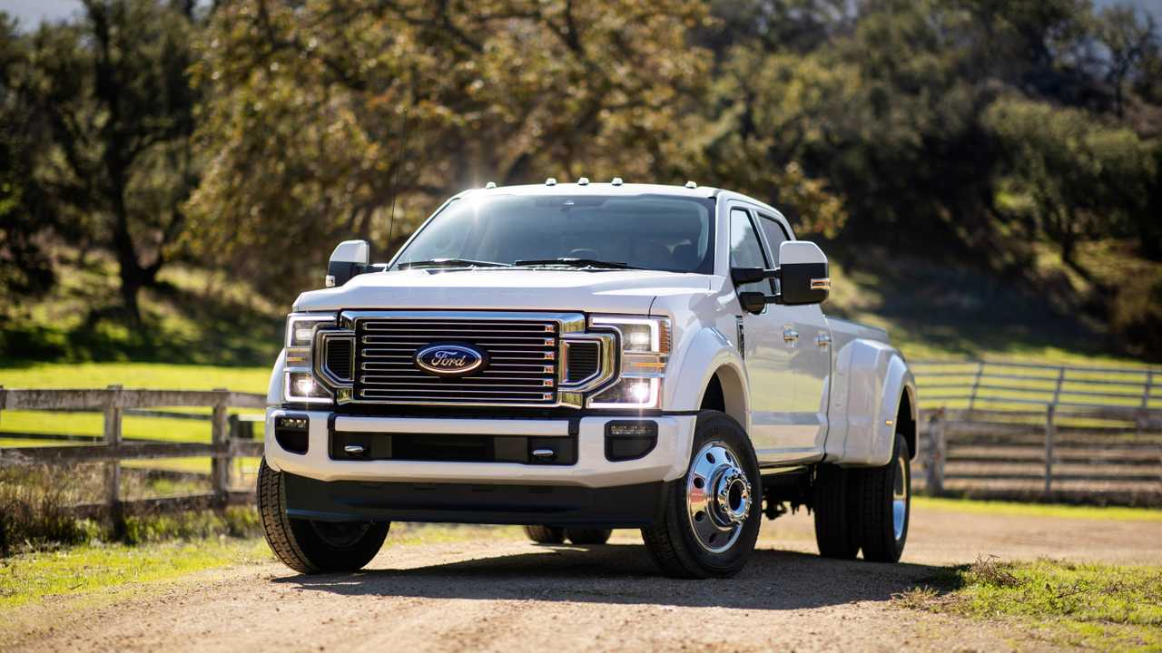 2020 Ford Super Duty Powers Into Chicago With 7 3-Liter V8