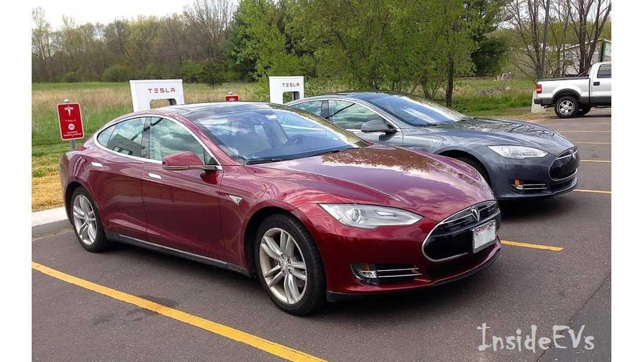 Tesla Model S EVs Grab Some Juice
