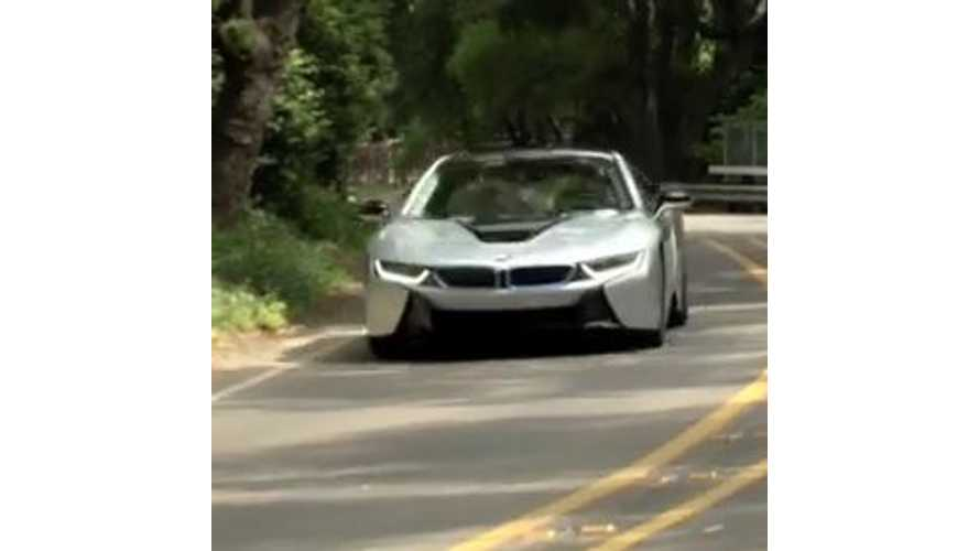 BMW i8 Auto Express Review - Video