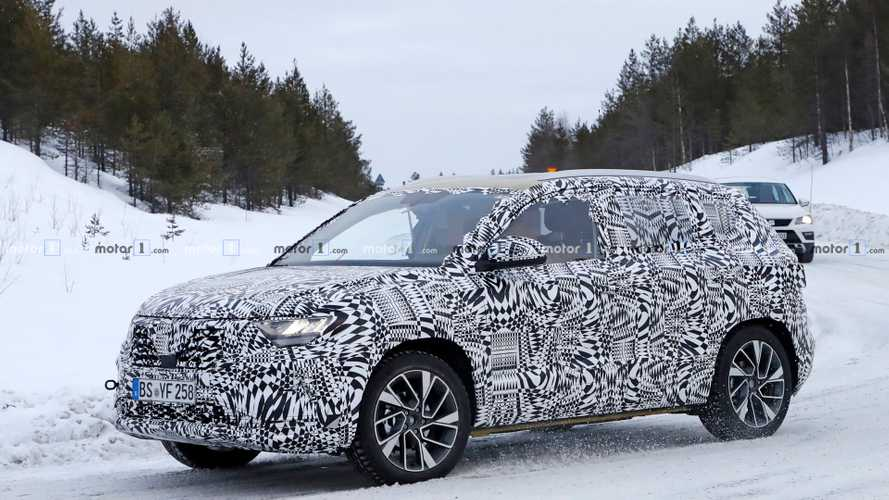 Jetta VS5 Crossover Spied Testing Far Away From China [UPDATE]