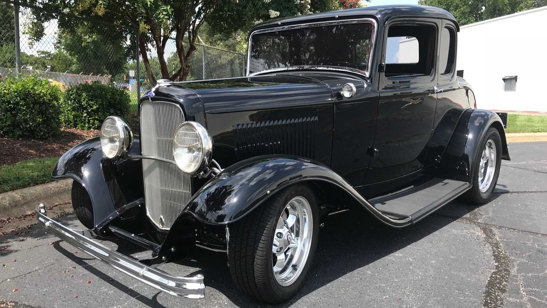 "[""CFS: 1932 Ford 5 Window Coupé Hot Rod""]"