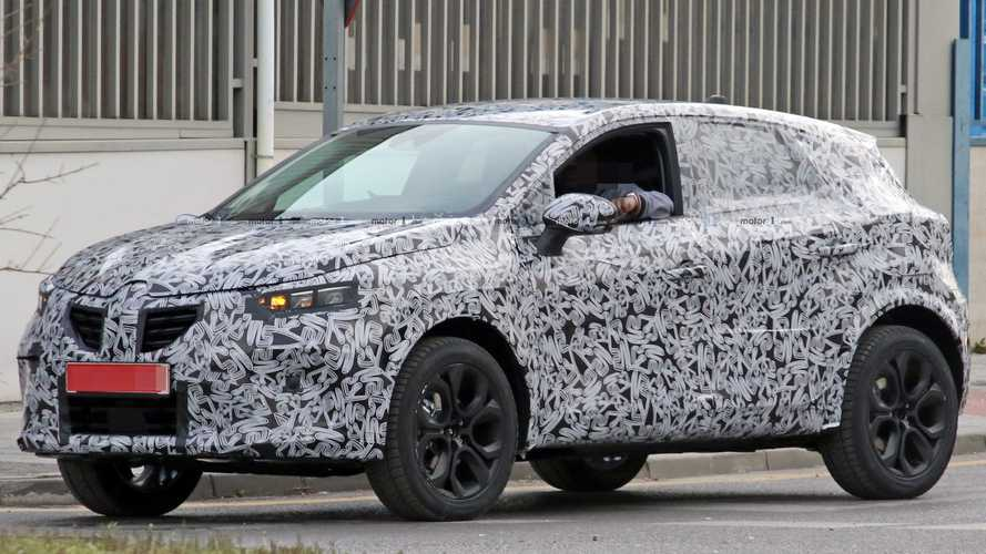 2020 Renault Captur Crossover Caught Testing As PHEV