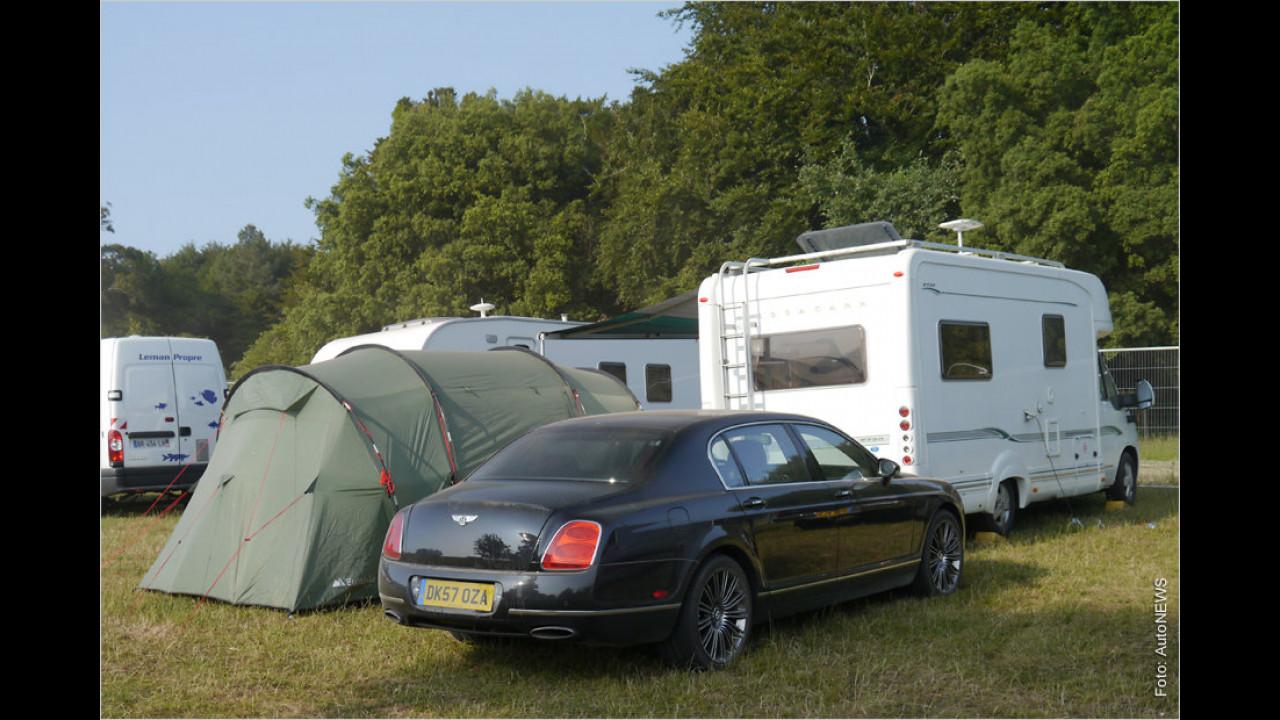 Mit dem Bentley kommen, im Zelt übernachten