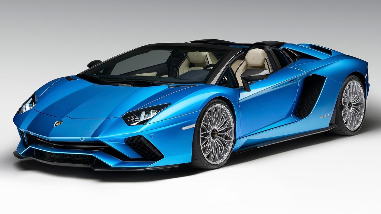 [Copertina] - Lamborghini Aventador S Roadster, perde il tetto ma non il vizio