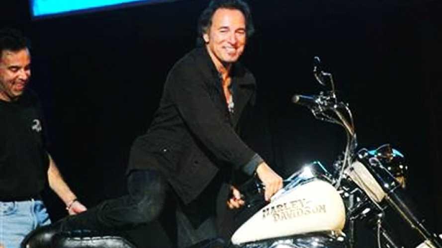 Bruce Springsteen in panne: lo salva un gruppo bikers