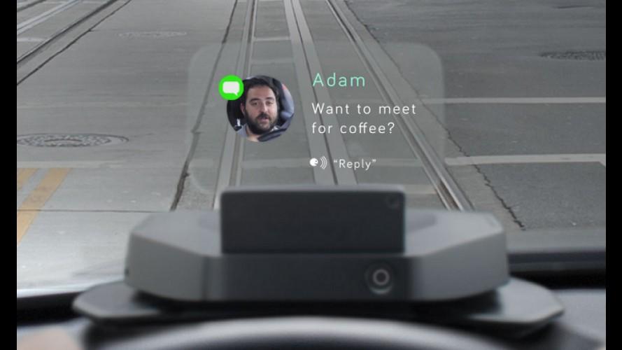 Vídeo: aparelho projeta informações do smartphone no para-brisa do carro