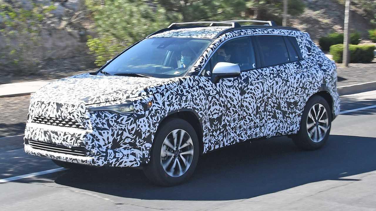 Toyota Corolla Cross 2022 - Flagra nos EUA