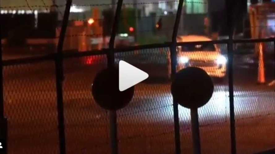 Новый Toyota Land Cruiser: дата премьеры и видео в движении