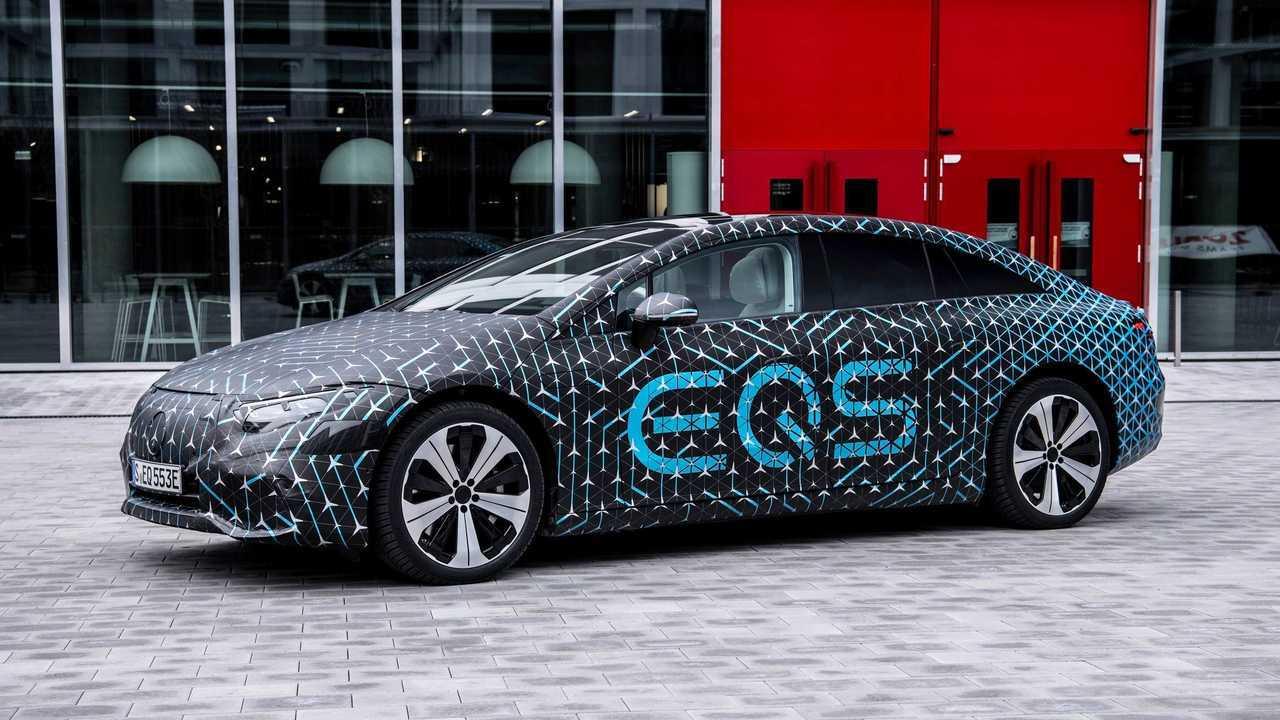 Merecedes-Benz EQS получит 2 батареи, задний и полный привод