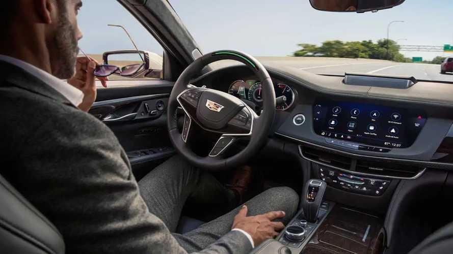 NHTSA: Mobil dengan Sistem Mengemudi Canggih Perlu Diawasi
