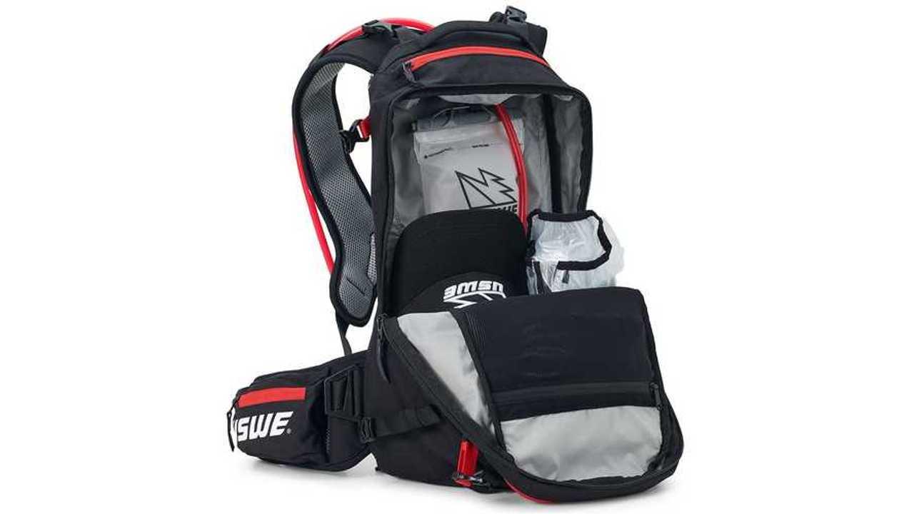 USWE Core 16L Daypack - Main Compartment