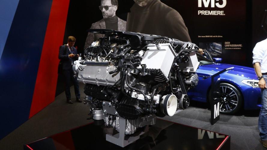 2021 után hibrid hajtást kaphatnak a BMW M modellek