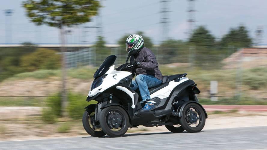 Probamos el Quadro4, un scooter de cuatro ruedas único