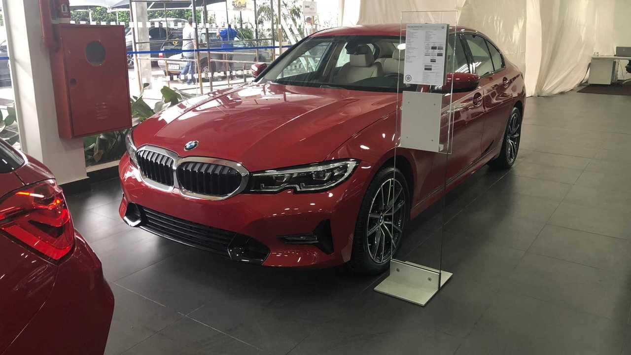 BMW 320i loja
