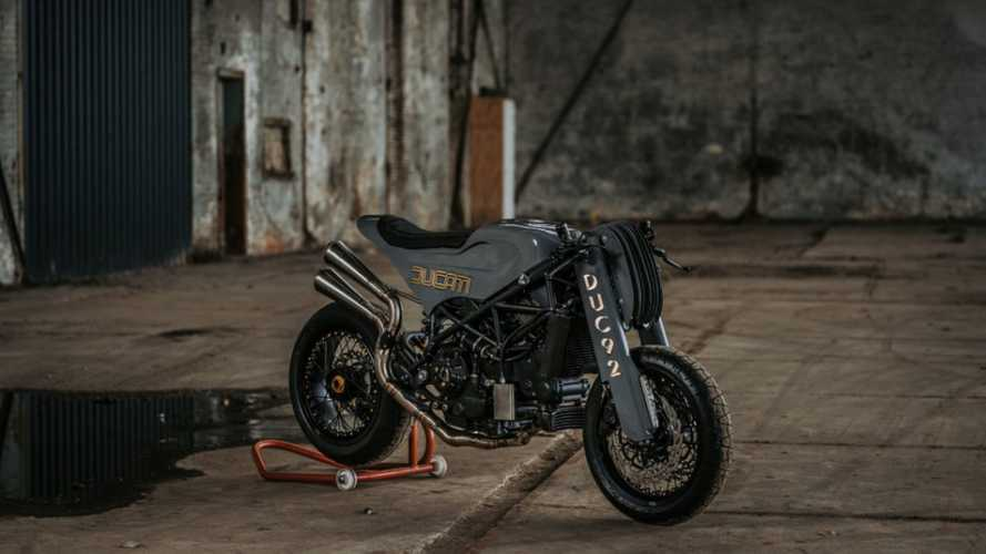 Moto Adonis Ducati S4R