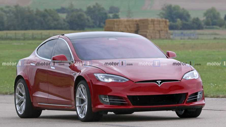 Tesla Model S caught at the 'Ring preparing for record attempt