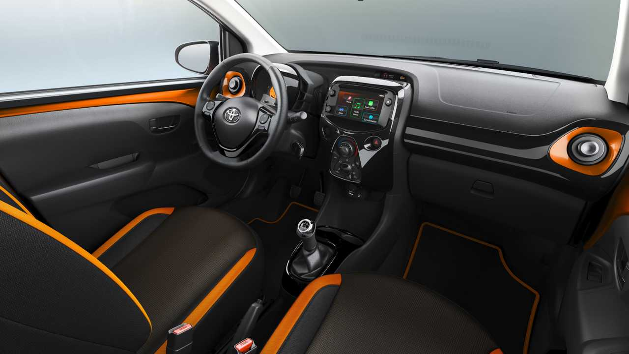 Interior del Toyota AYGO: simple pero suficiente