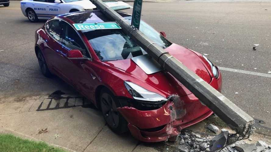 Watch Tesla Model 3 Crash Into A Pole: Roof Strength Saves Occupants