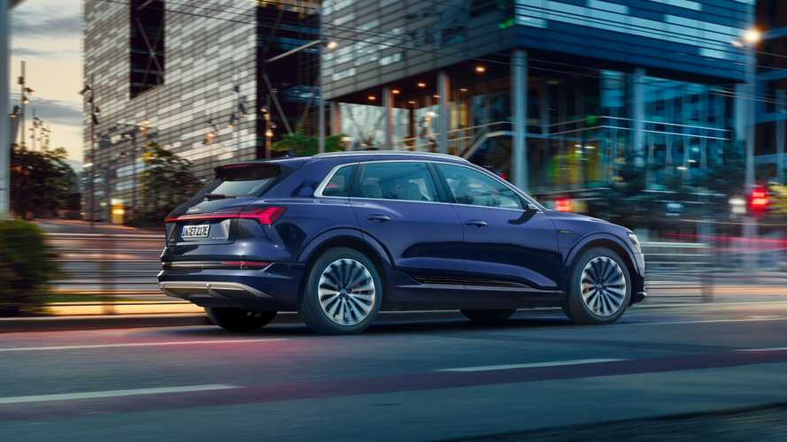 Nem a tervezett ütemben halad az Audi e-tron gyártása