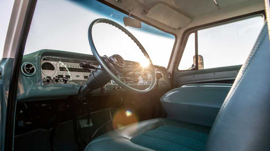 RTech Ponderosa Custom 1966 Chevy Crew Cab
