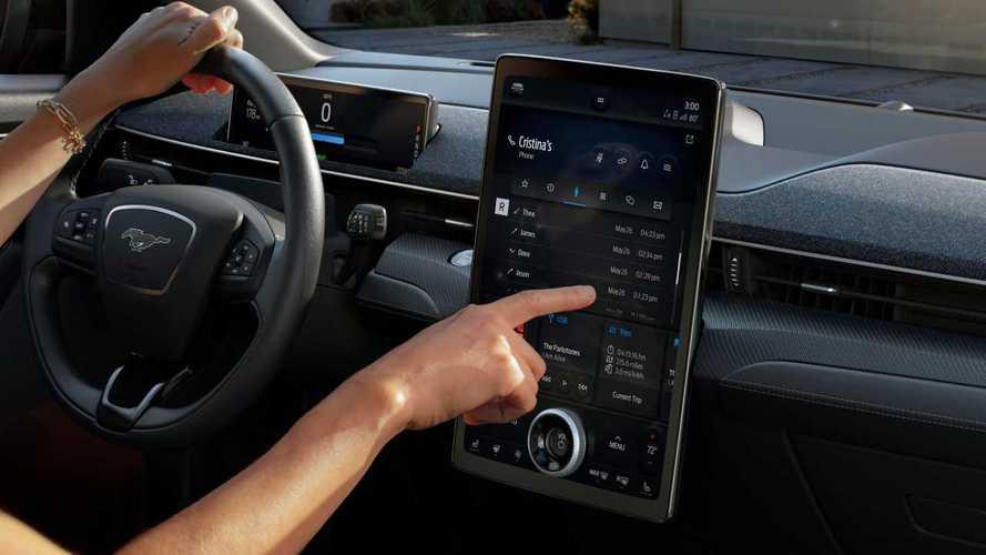 Mustang Mach-E: con il SUV elettrico c'è il nuovo infotainment Ford Sync
