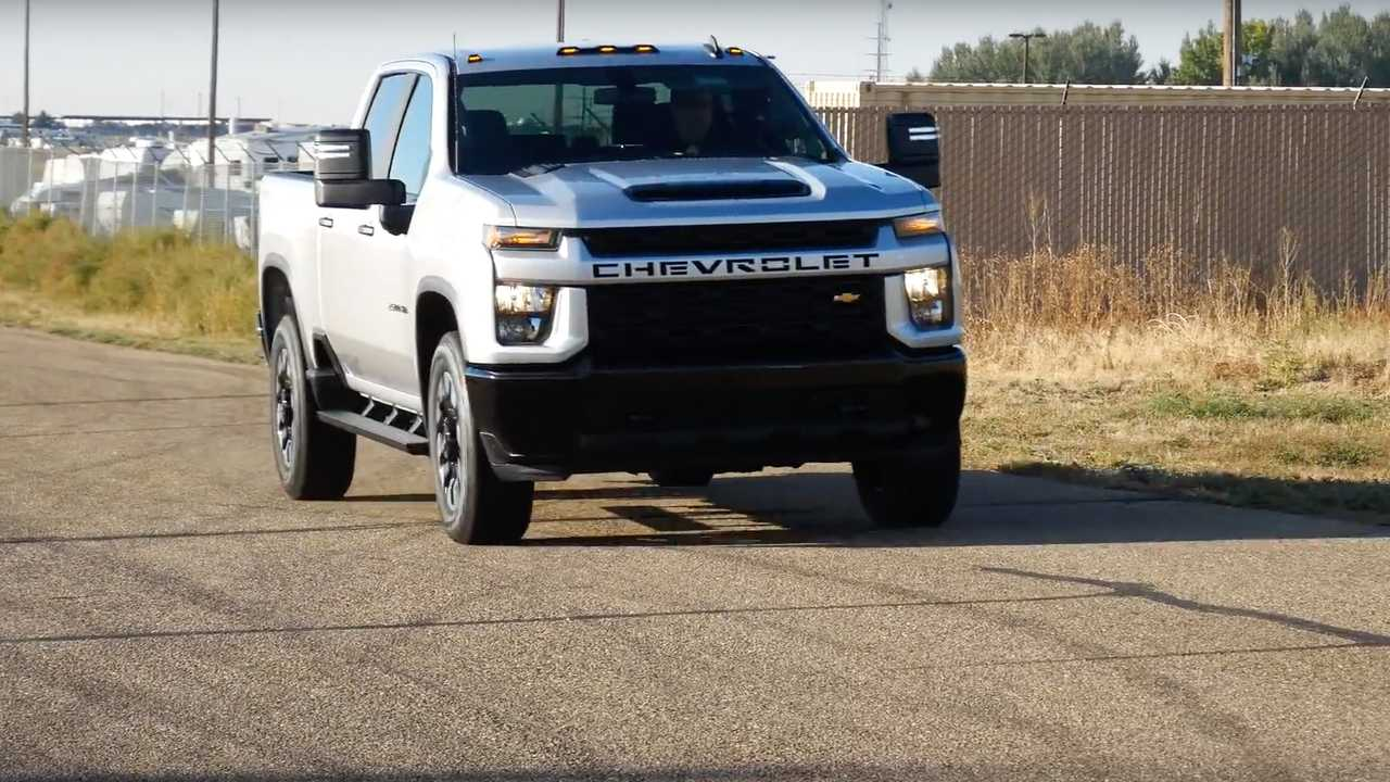Chevy Silverado Gas Vs Diesel Compete To Show Which One Is Quicker