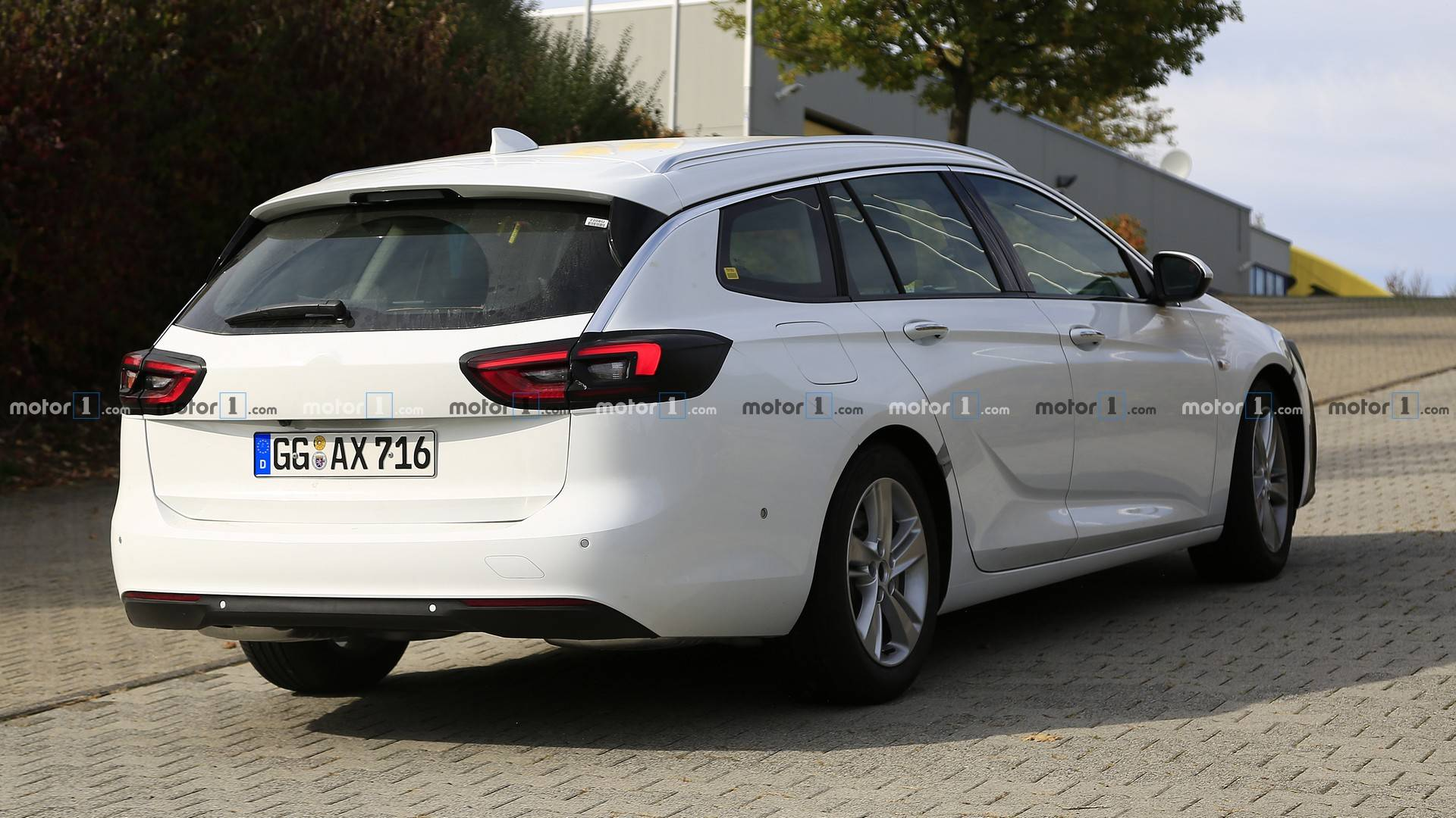 Flipboard 2020 Opel Insignia Facelift Makes Spyshots Debut As