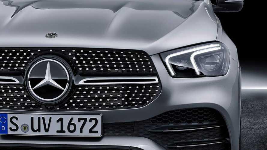 Mercedes registra
