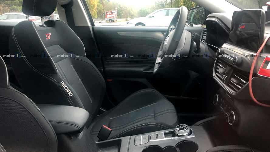 La Ford Focus ST montre son habitacle